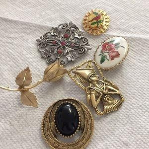Beautiful brooch bundle